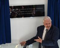 Sir David Attenborough unveils the reopening plaque