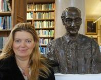Tamara Gray and the bust of Sir James Gray