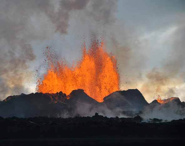 Magma erupting, Holuhraun lava field - credit: Simon Redfern