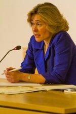 Dr Julie Smith