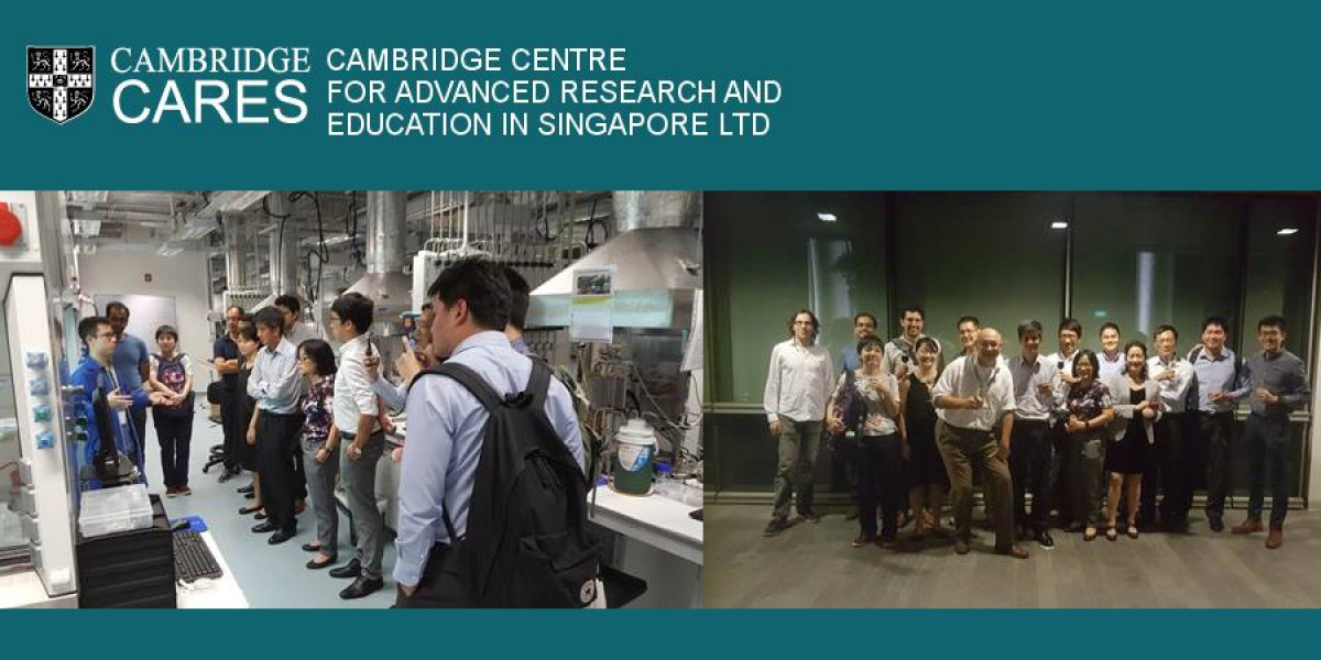 Photo og Group visiting the CARES Lab