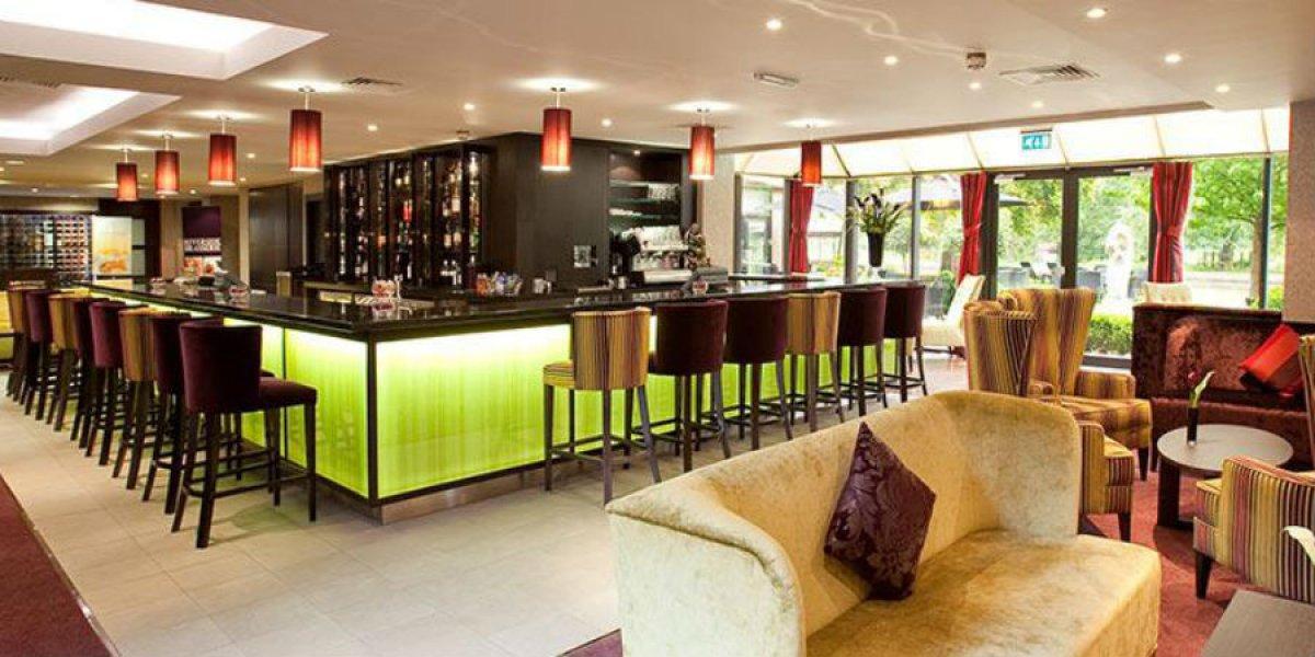 Double Tree Hilton bar area