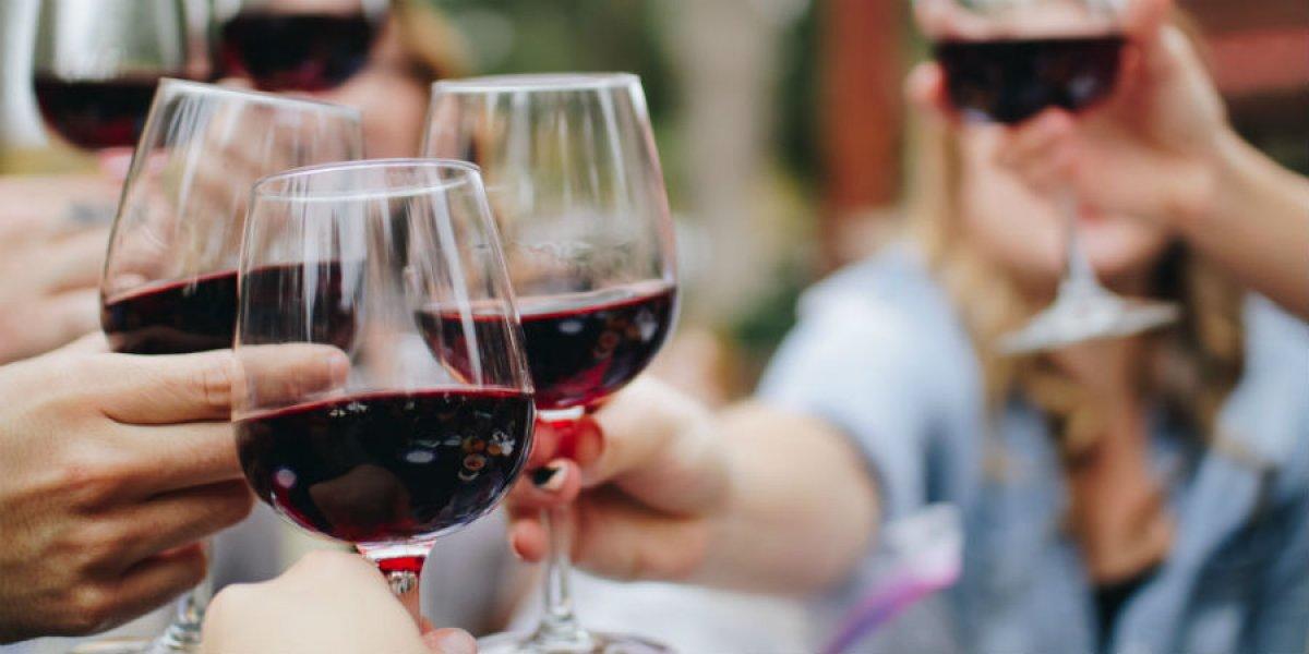 Cheering red wine