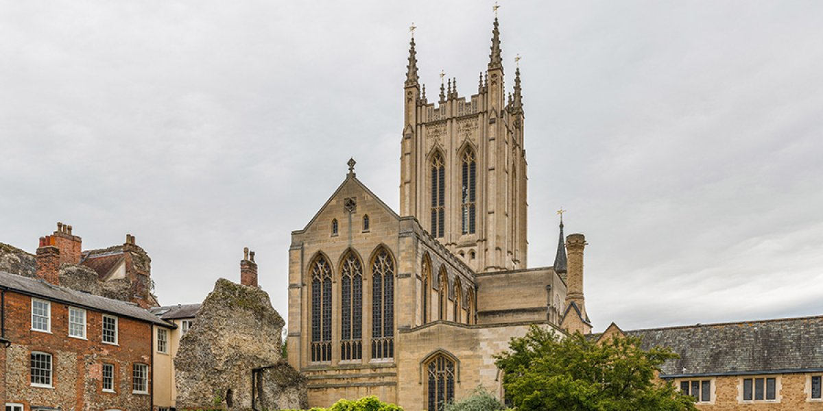 Image of St Edmundsbury Cathedral via Wikipedia