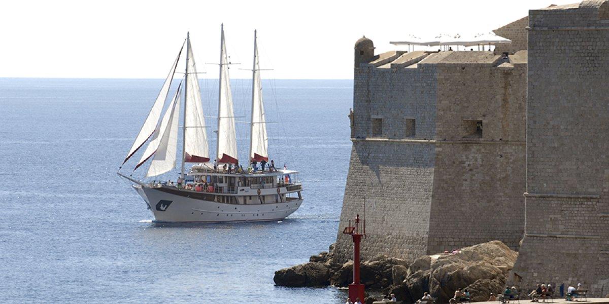 MS Barbara sailing round Dubrovnik Old Town