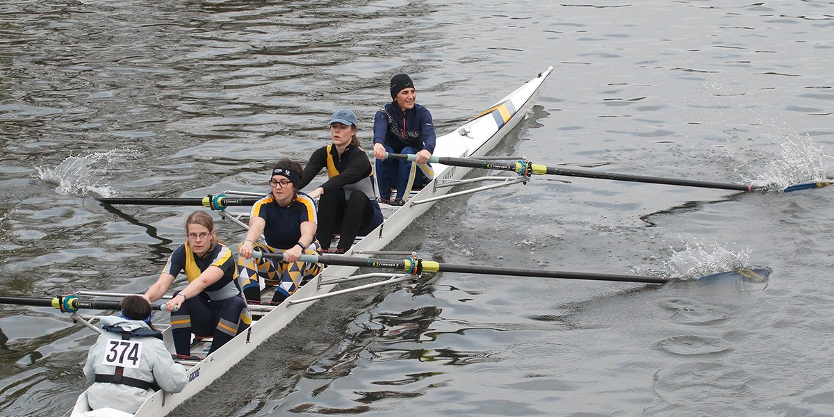 Newnham's Gryphen's IV invitational crew in the Fairburns Cup, December 2016.