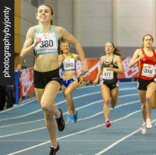 Louise winning the 800m at the British University Championships © PhotographybyJonty